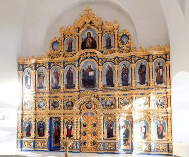 Иконостас верхнего южного придела храма Александра Невского